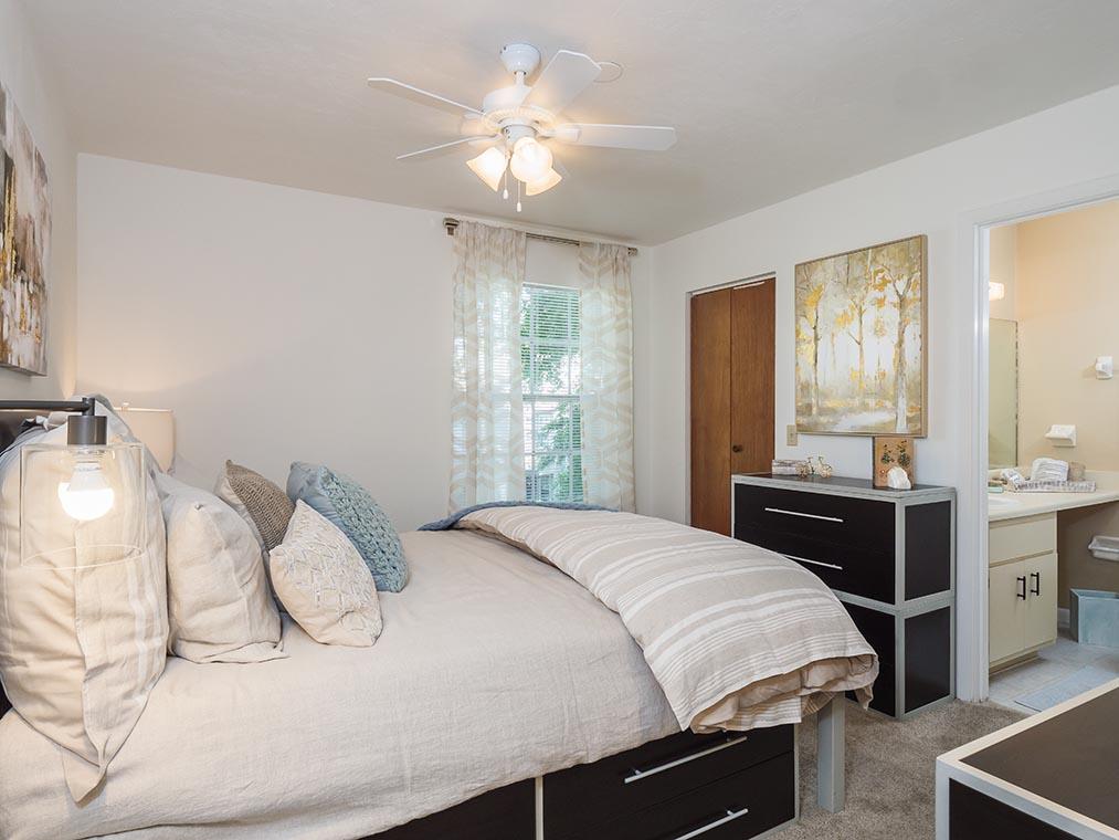 spyglass apartments gainesville apartments reviews. Black Bedroom Furniture Sets. Home Design Ideas