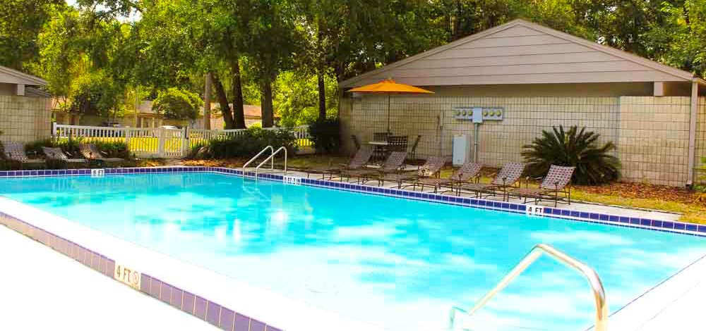 Arbor Apartments Swimming Pool 02