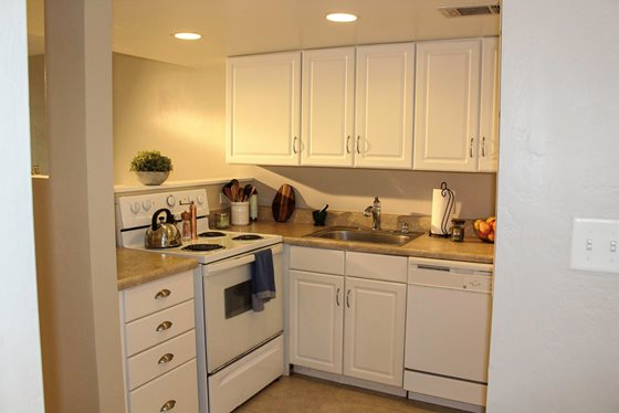 Bridgelight Townhomes Kitchen 011