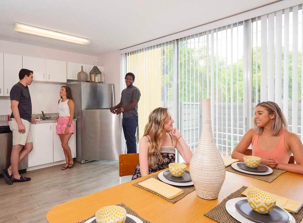 Courtyard Apartments Open Kitchen 018