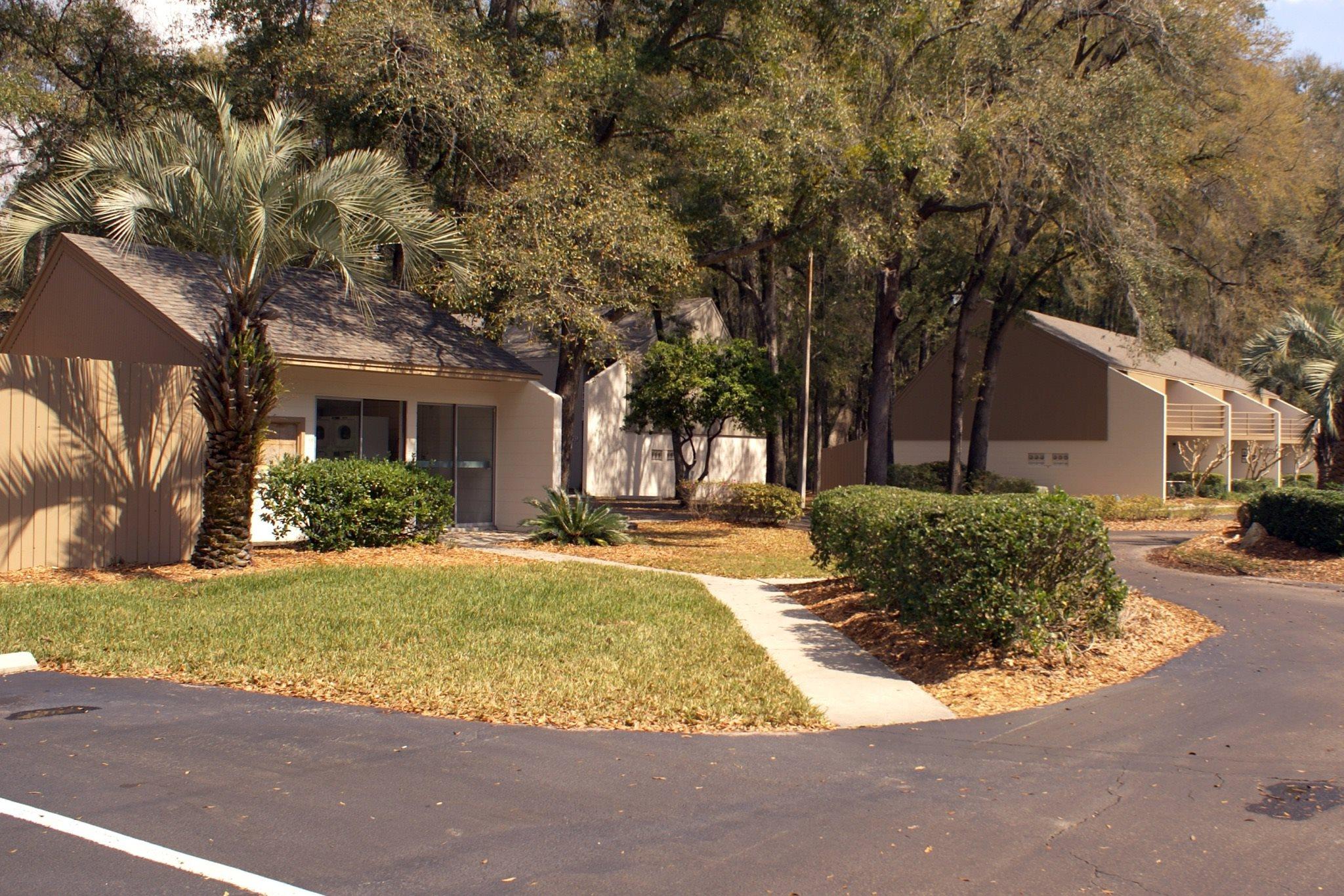 Grove Villas Exterior 09