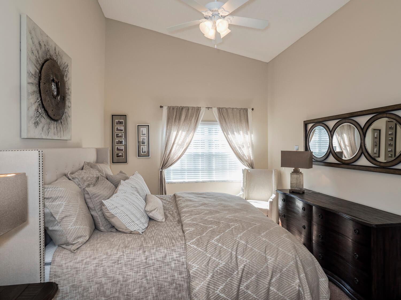 Lake Crossing Apartments Bedroom 021