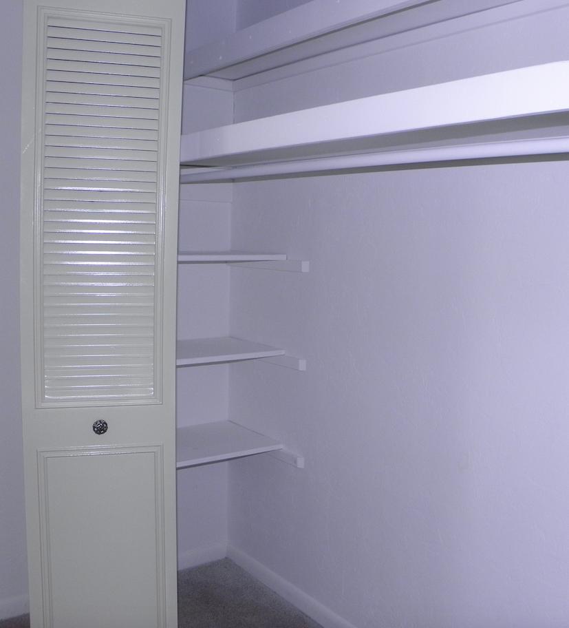 Napier Grant Apartments Closet 08