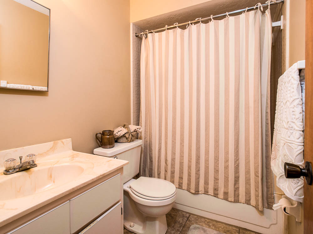 Woodland Villas Bathroom 05
