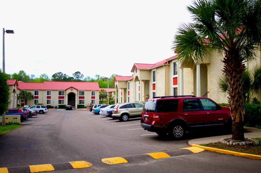 Cazabella Apartments Gainesville Parking