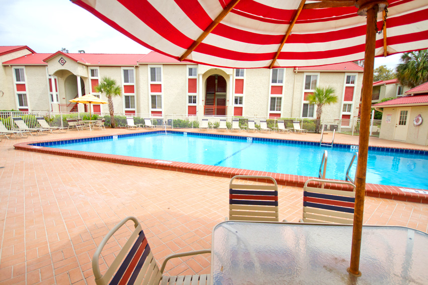 Cazabella Apartments Gainesville Pool
