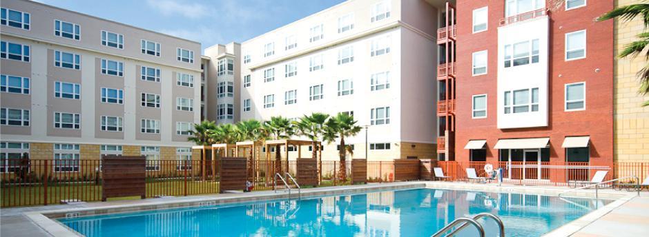 The Continuum Uf Apartments Graduate Student Housing Gainesville Apartments