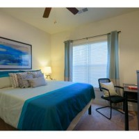 SUBLEASE AT THE RETREAT GAINESVILLE 1 Private bedroom and bathroom in a 4 bed 4 bath house