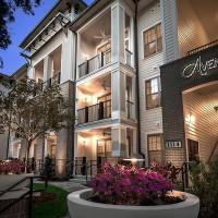 Avenyl Apartments
